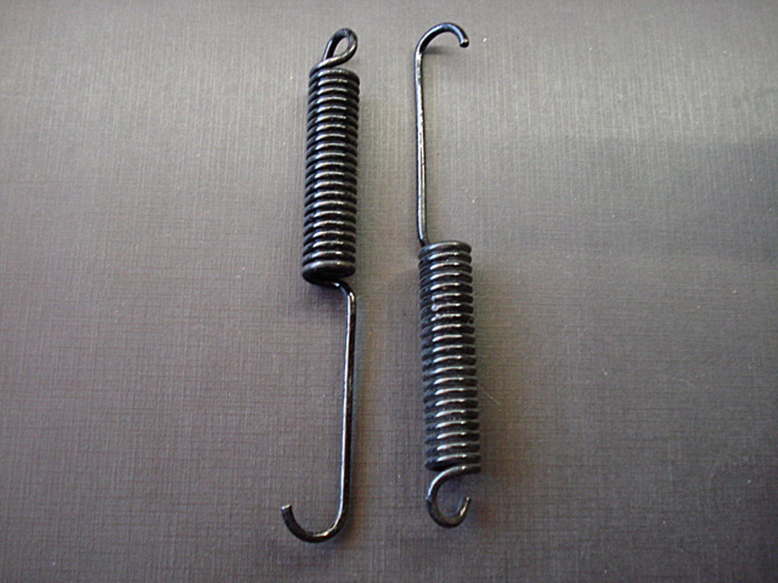 2 pcs 65-68 Ford 67-68 Mercury front door lower hinge repair springs NOS