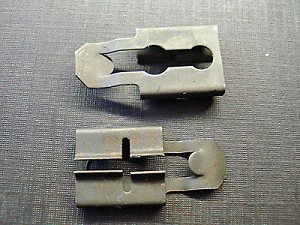 2 pcs 1964 1965 1966 Mopar front door locking lever clips-NOS-2486327
